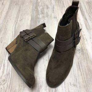 Crown Vintage Vegan Suede Leather Ankle Boot 9.5